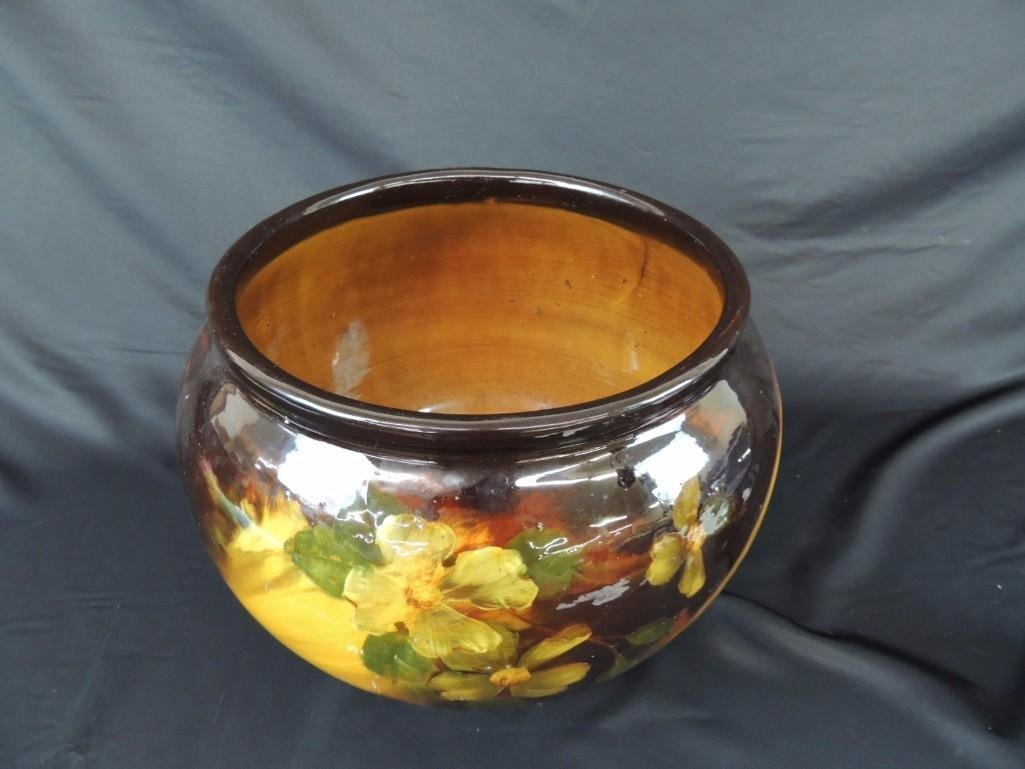 Amralain Weller Art Pottery Plater with Floral Pattern - 2