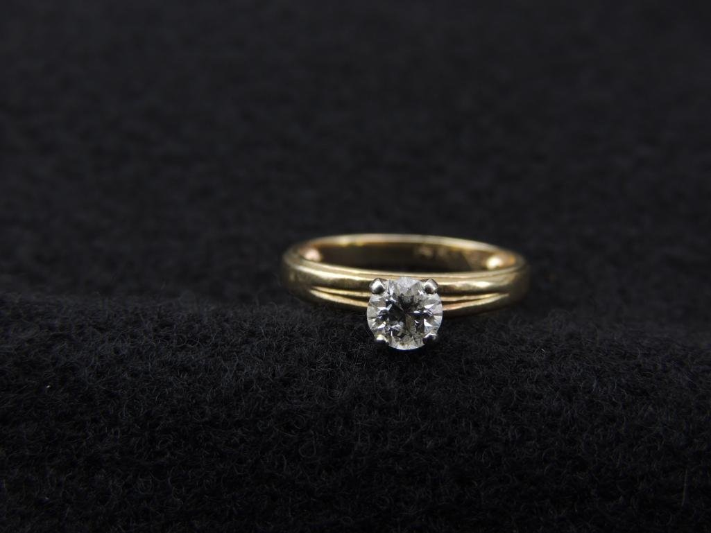 14k Yellow Gold Diamond Solitaire Ring - 4