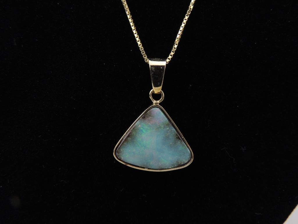 14k Yellow Gold Opal Pendant & Chain
