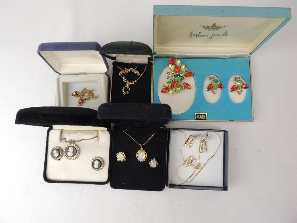 Lot of Vintage & Modern Boxed Jewelry