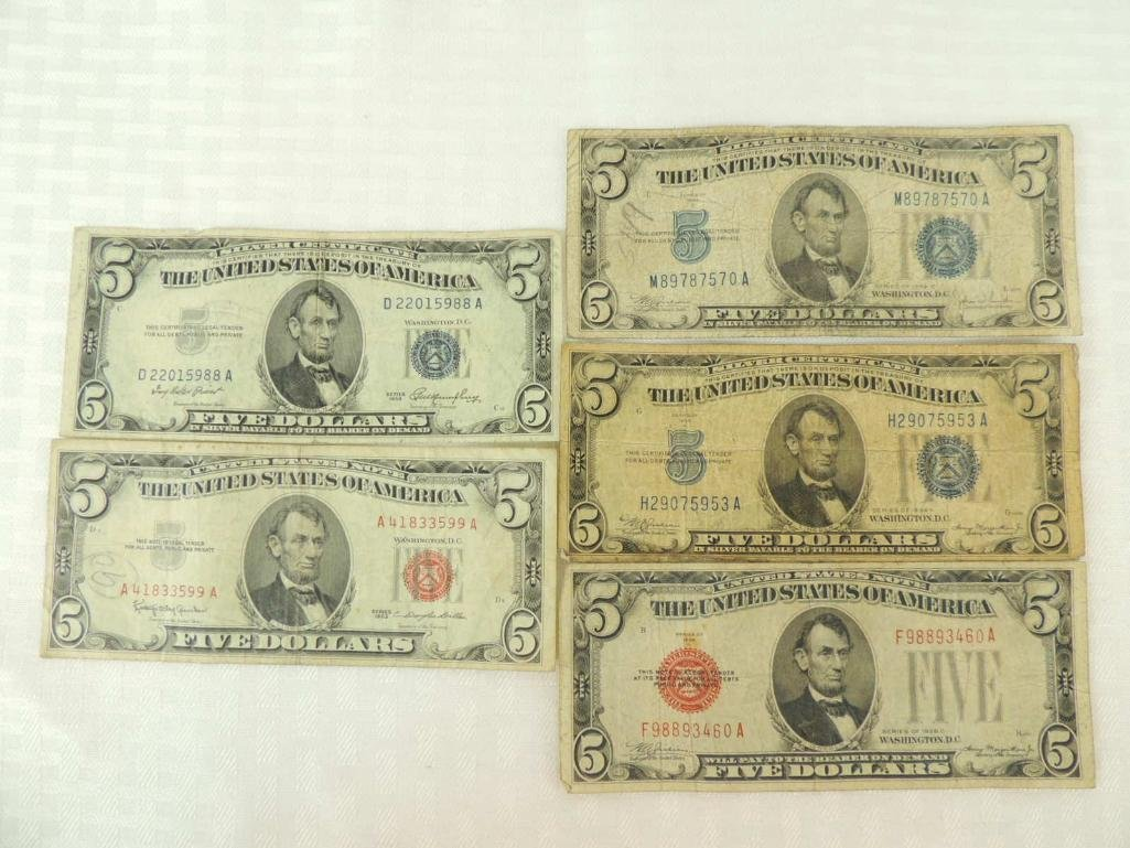 Group of 5 U.S. 5 Dollar Silver Certificates and  Notes