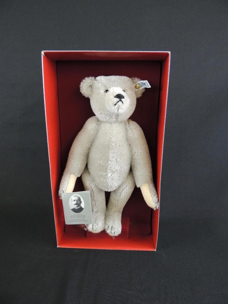 Teddy Bear Modell 1902 Design by Richard Steiff with