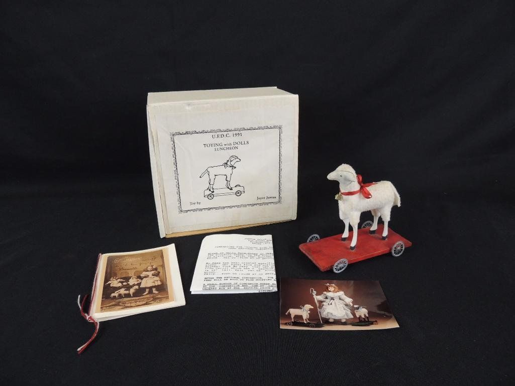 Souvenir Sheep from the UFDC National Convention 1991