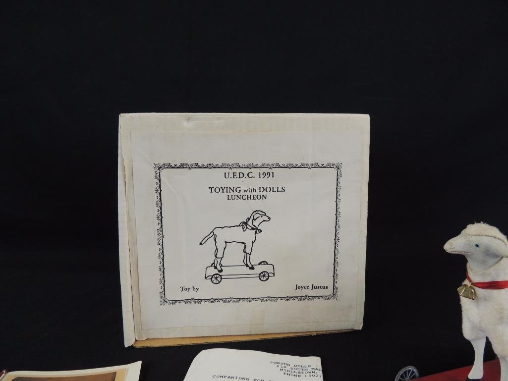 Souvenir Sheep from the UFDC National Convention 1991 - 3