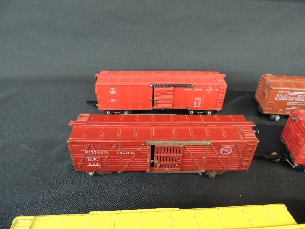 Group of 6 Vintage American Flyer Box Cars Featuring - 2