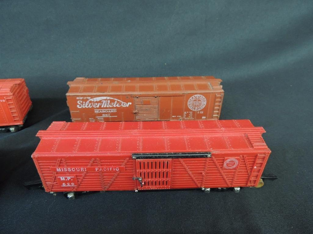 Group of 6 Vintage American Flyer Box Cars Featuring - 4