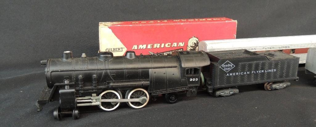 Vintage Group of 5 American Flyer Locomotive and - 2