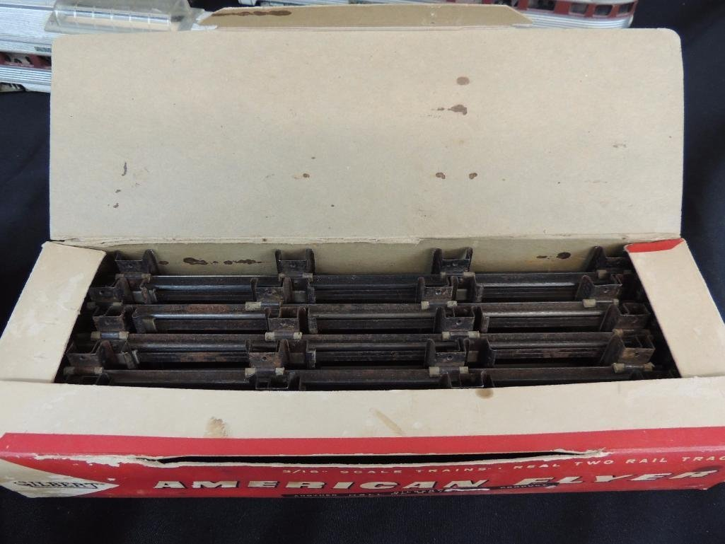 Vintage Group of 5 American Flyer Locomotive and - 5