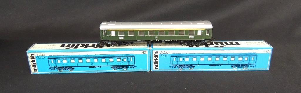 Group of 3 Vintage Marklin Passenger Cars Featuring HO