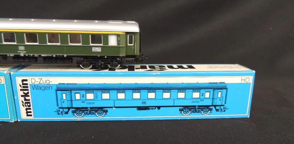 Group of 3 Vintage Marklin Passenger Cars Featuring HO - 2