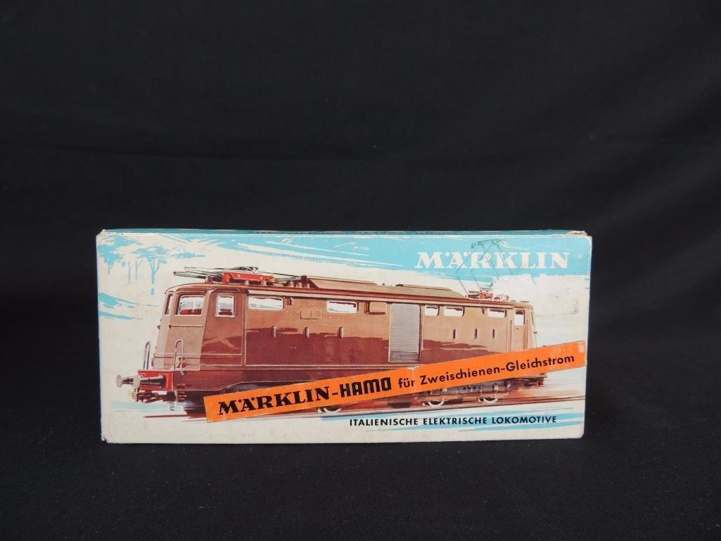 Vintage Marklin #8335 Electric Train Car with Original