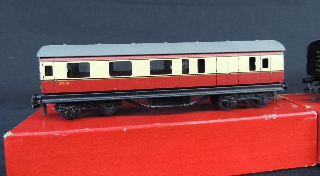 Group of 2 TTR British Railways Bogie Coaches with - 2
