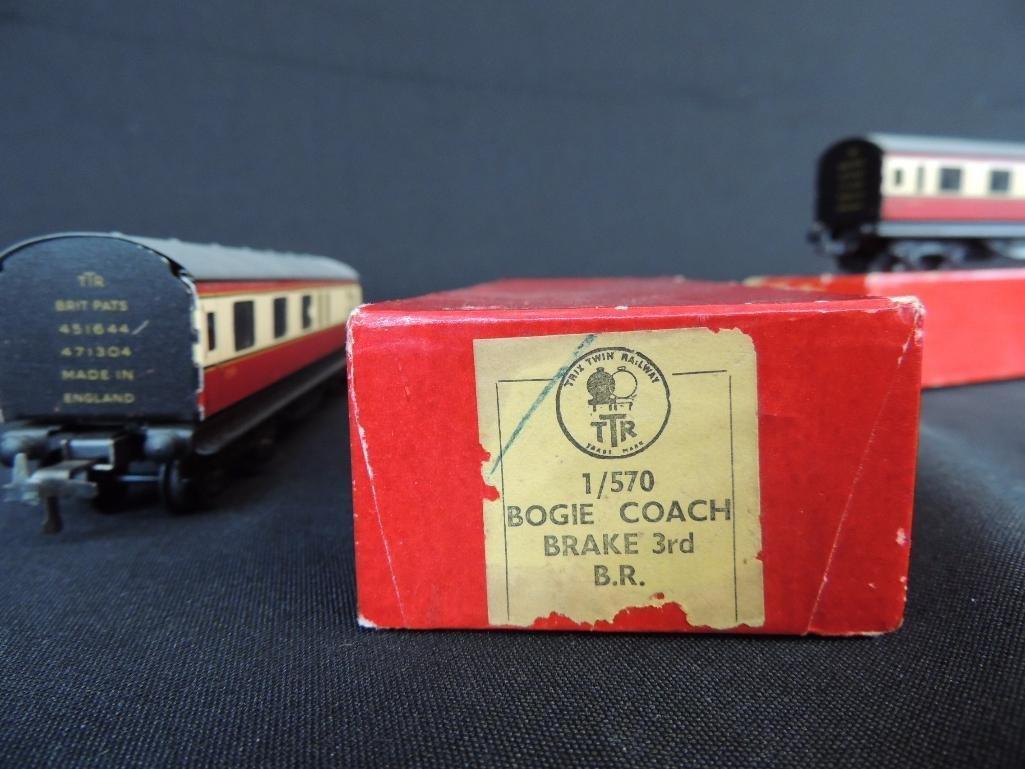 Group of 2 TTR British Railways Bogie Coaches with - 4