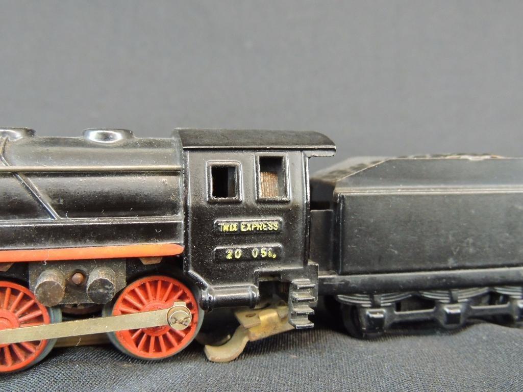 Pre War German Trix Express 0-4-0 Locomotive with Cow - 2