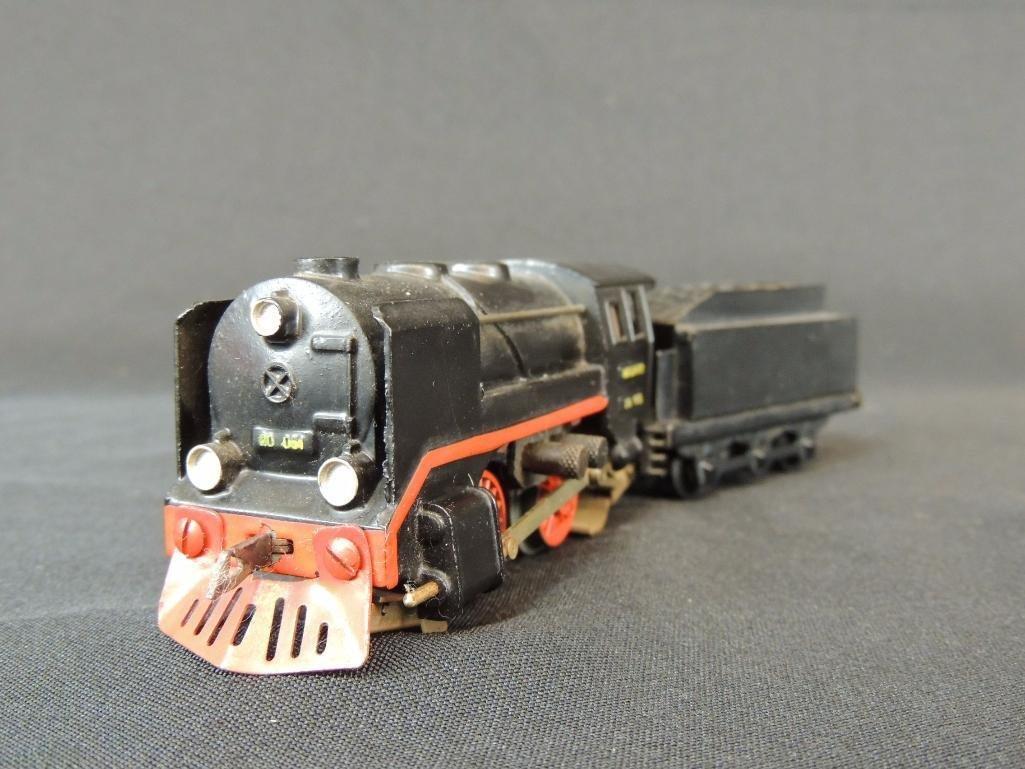 Pre War German Trix Express 0-4-0 Locomotive with Cow - 3