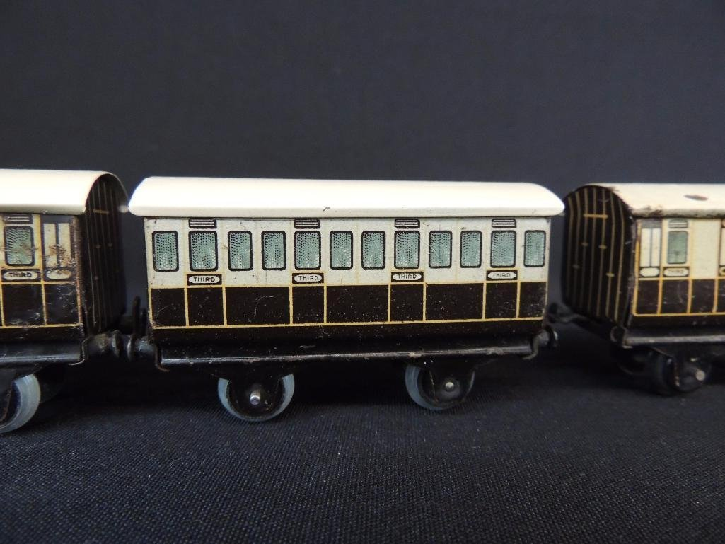 Pre War German Bing 4 Car Set of LNWR Coach Cars - 2
