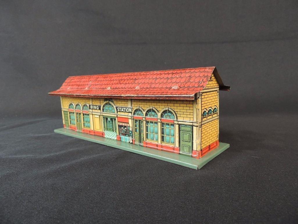Pre War German Bing Tin Litho Station - 3
