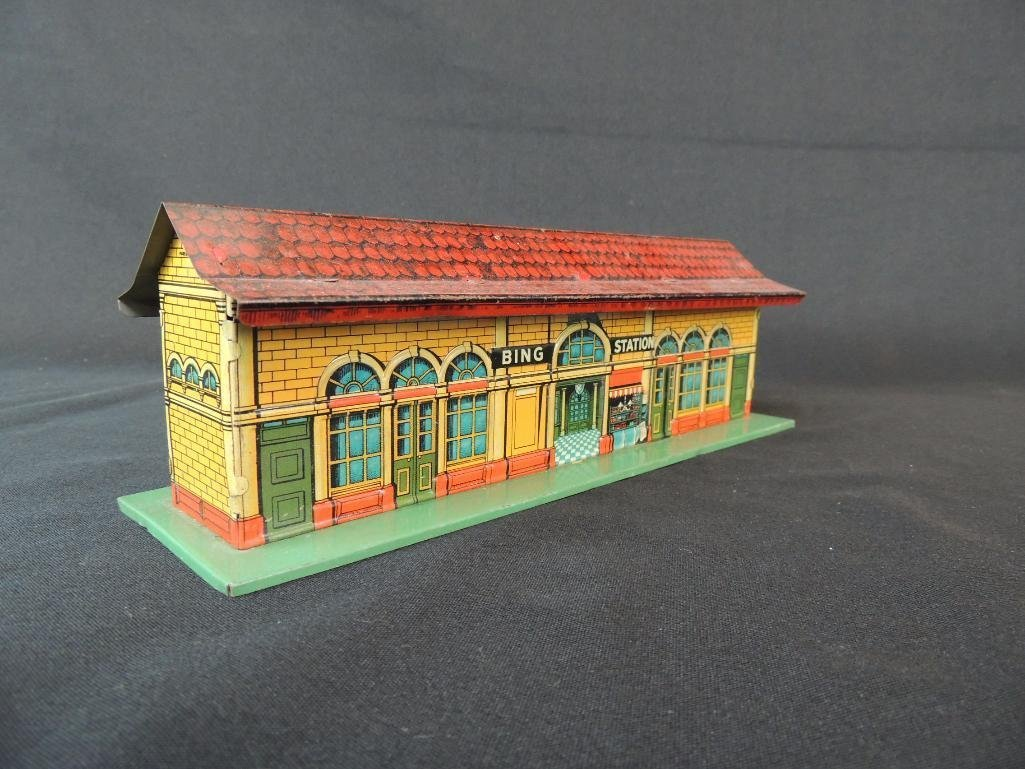 Pre War German Bing Tin Litho Station - 2
