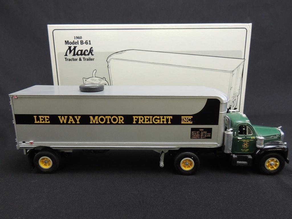 First Gear 1960 Model B-61 Mack Lee Way Motor Freight