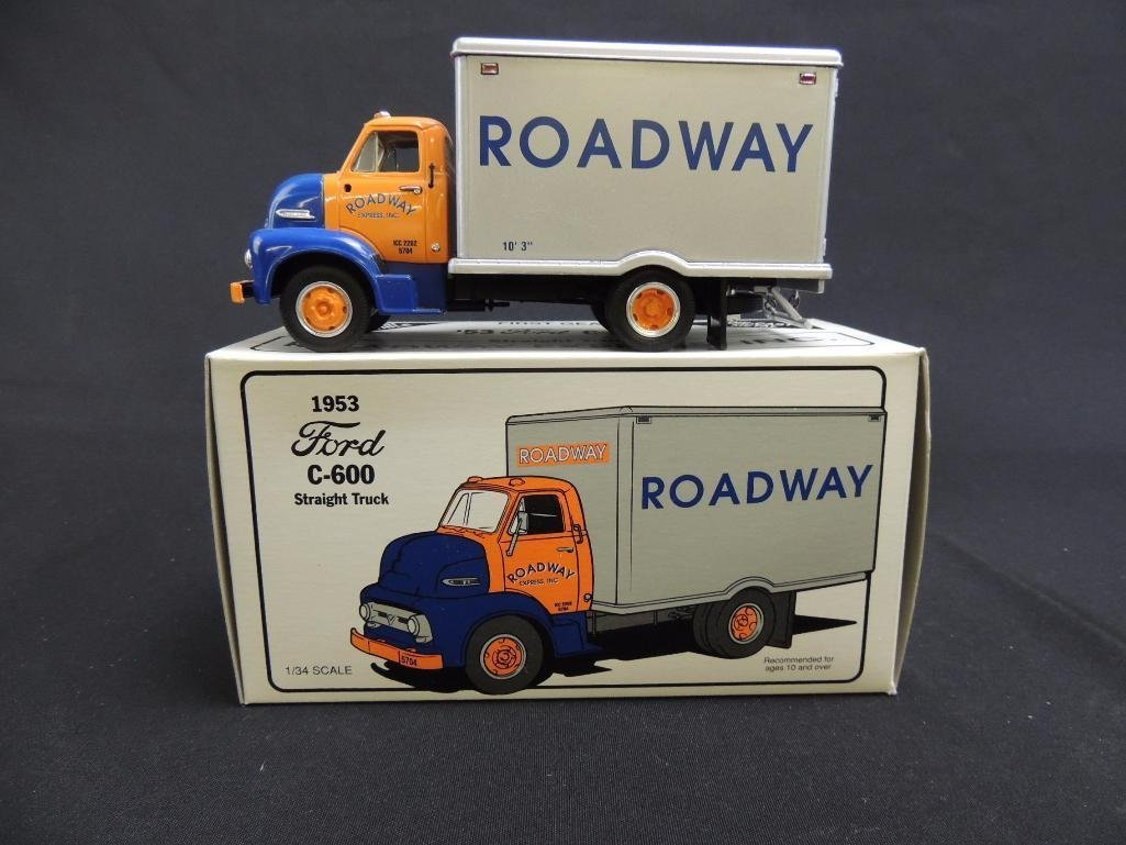 First Gear 1953 Ford C-600 Roadway Straight Truck with