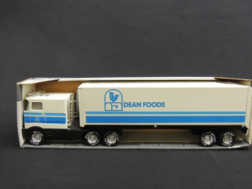 Nylint Dean Foods Sound Machine Semi with Original Box