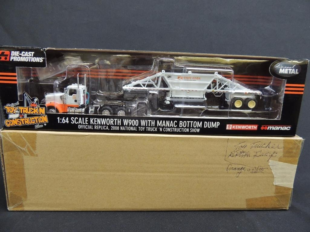 National Toy Truck'n Construction Show 1/64 Scale - 4