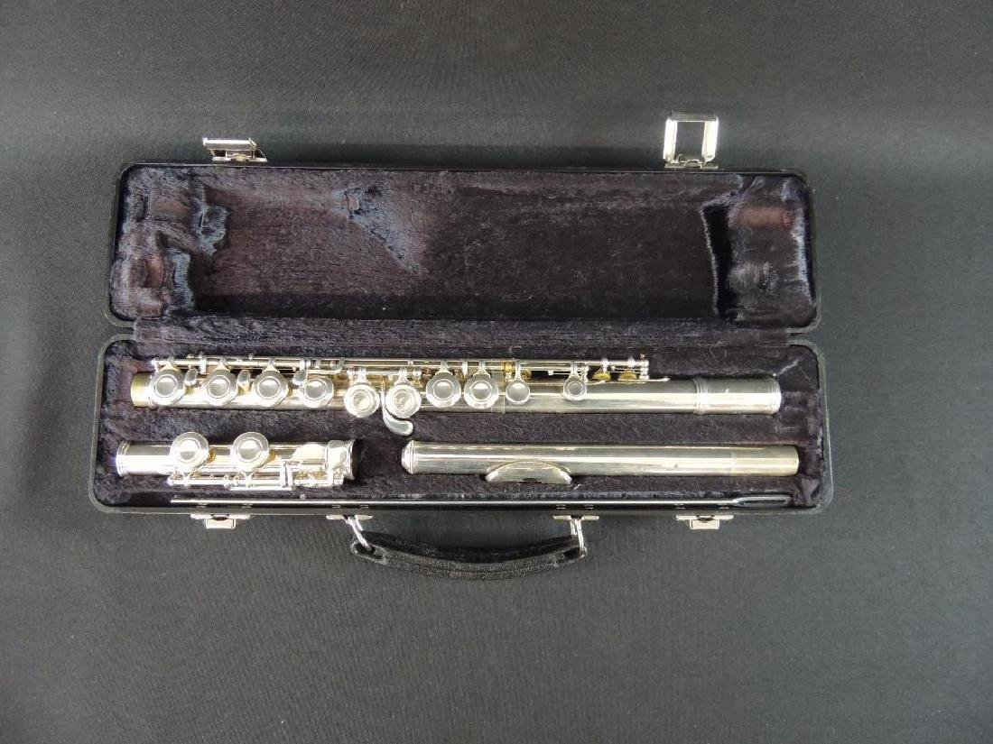 Armstrong No. 104 Flute with Case - 2