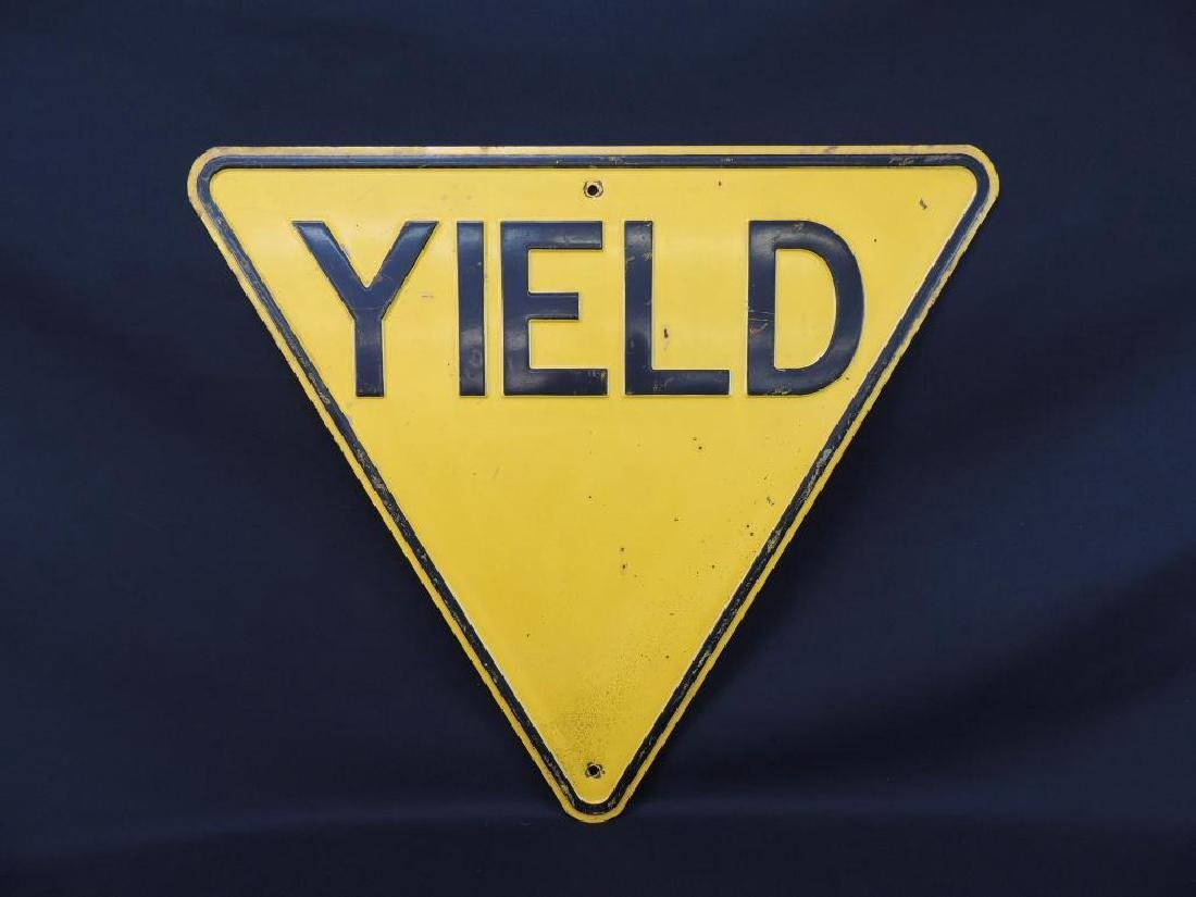 Yield Vintage Metal Street Sign