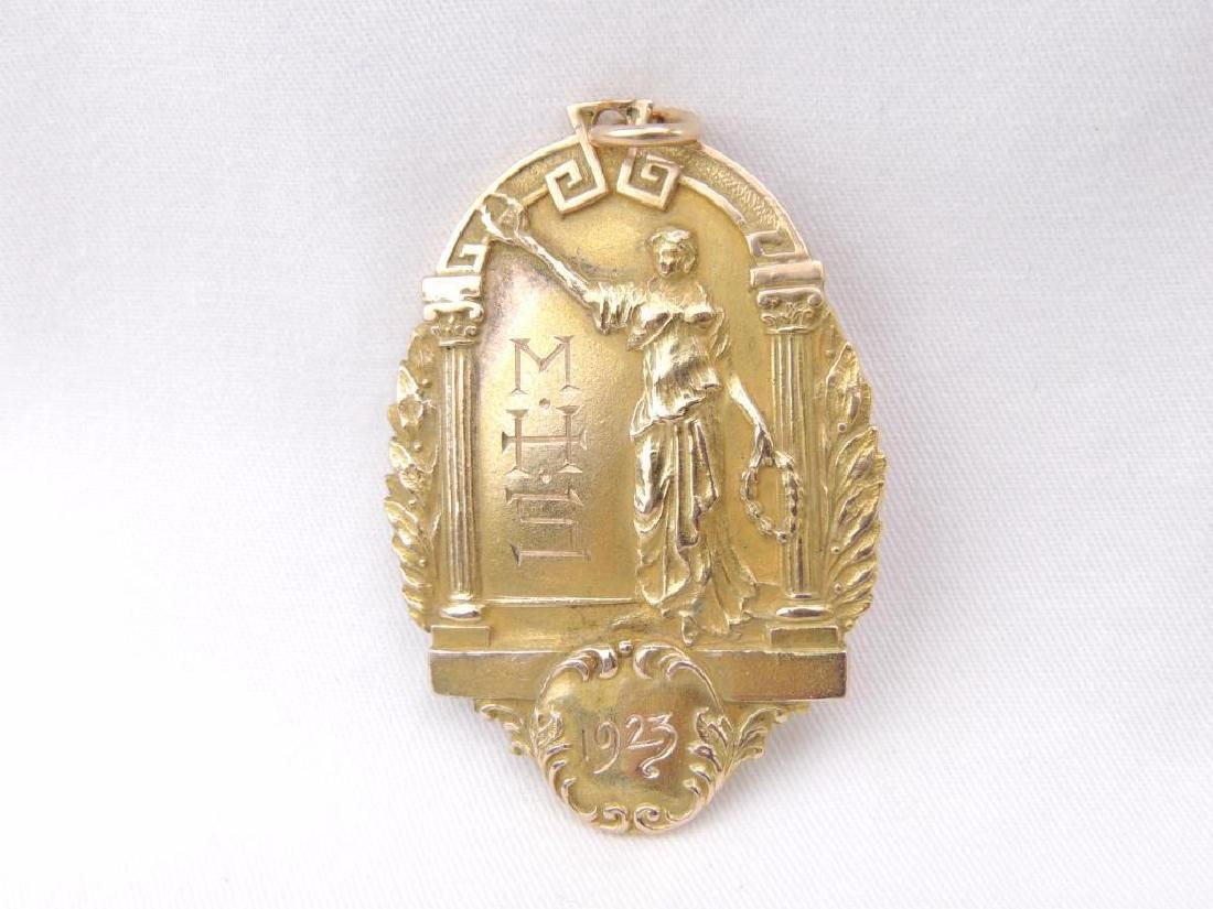 10K yellow gold large honor medal