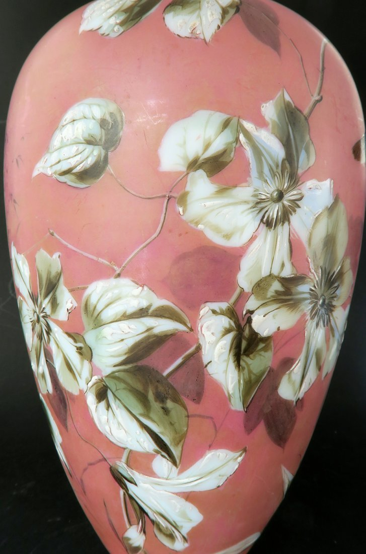French Pair of Baccarat Opaline Vases. 19th Century - 7