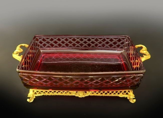Large French Ruby Cut to Clear Tissue Valise - 4