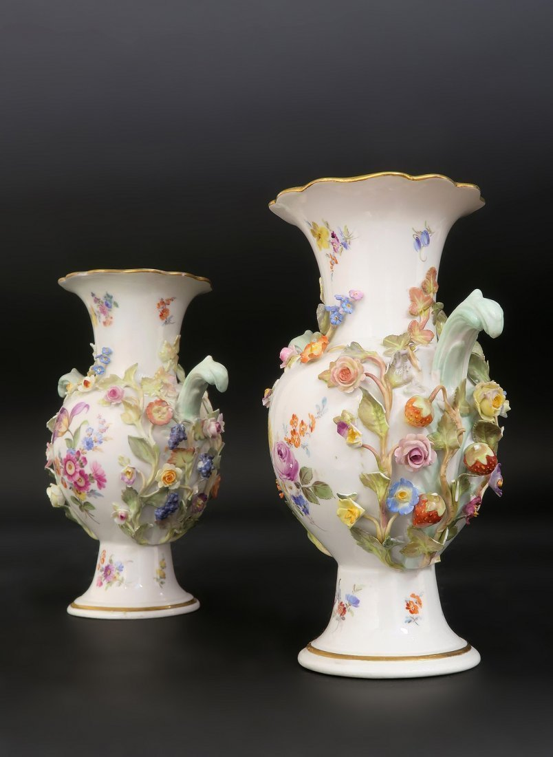Pair of Meissen Flower encrusted Porcelain Vases - 2