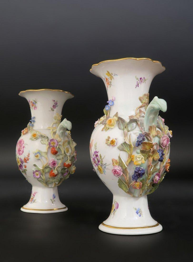 Pair of Meissen Flower encrusted Porcelain Vases - 3