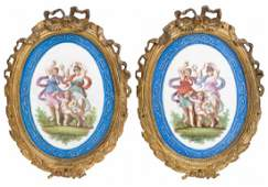 2 PARIS PORCELAIN OVAL PLAQUES WITHIN GILT METAL FRAMES