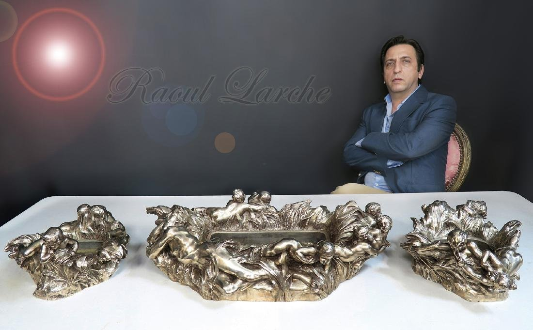 Francois Raoul Larche Garniture de Table