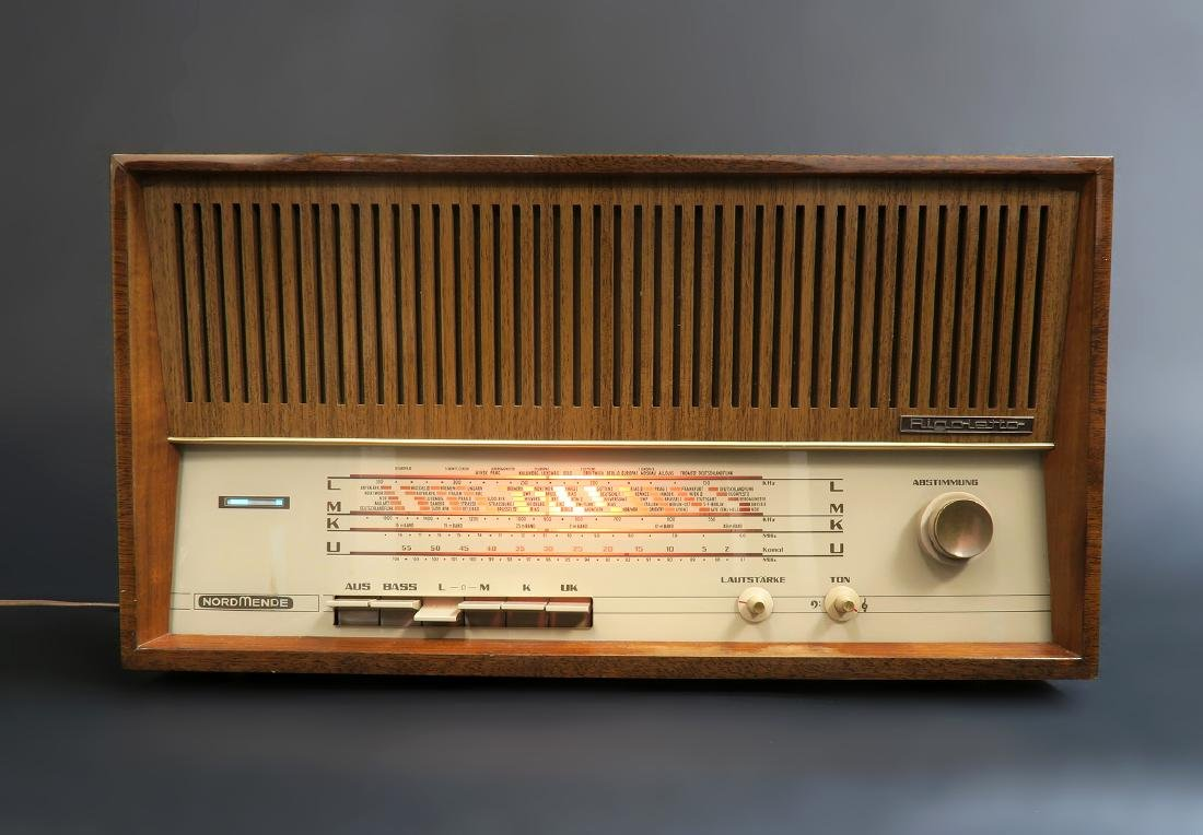 German Nordmende Rigoletto Multi-Band Tubed Radio - 2
