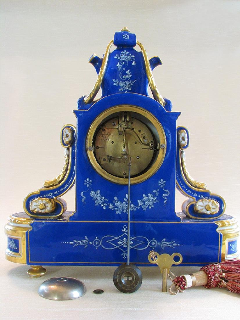 Very Fine French Porcelain Clock, Circa 1860 - 10
