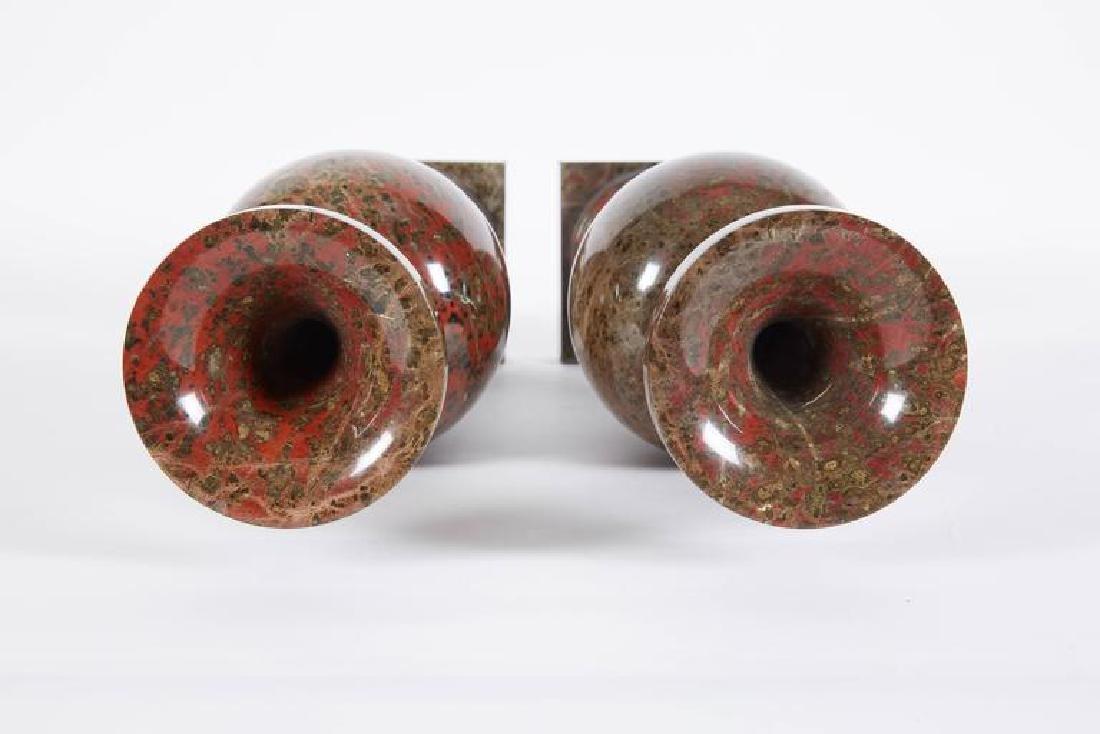 19th C. A Pair Of Neoclassical Jasper Vases - 6
