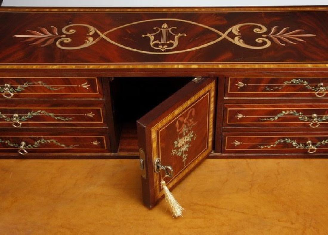Magnificent English Regency style mahogany writing desk - 6