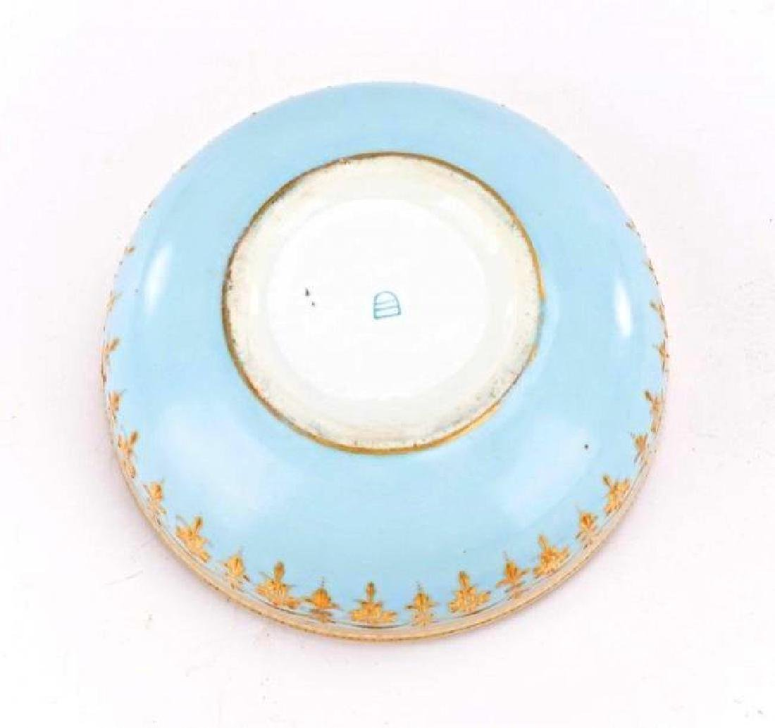 Royal Vienna Style Porcelain Portrait Dresser Box - 2