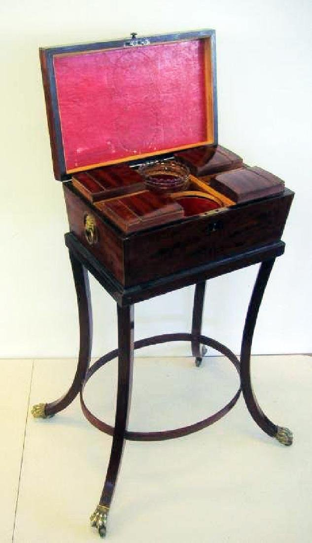 English Regency mahogany teapoy with string inlay - 4