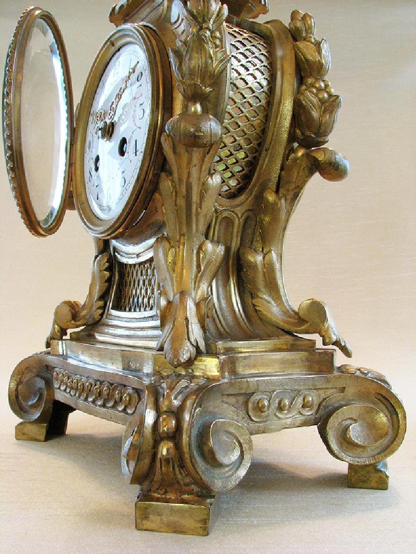 19th C. Elegant Gilt Bronze Rococo style Mantel Clock - 10