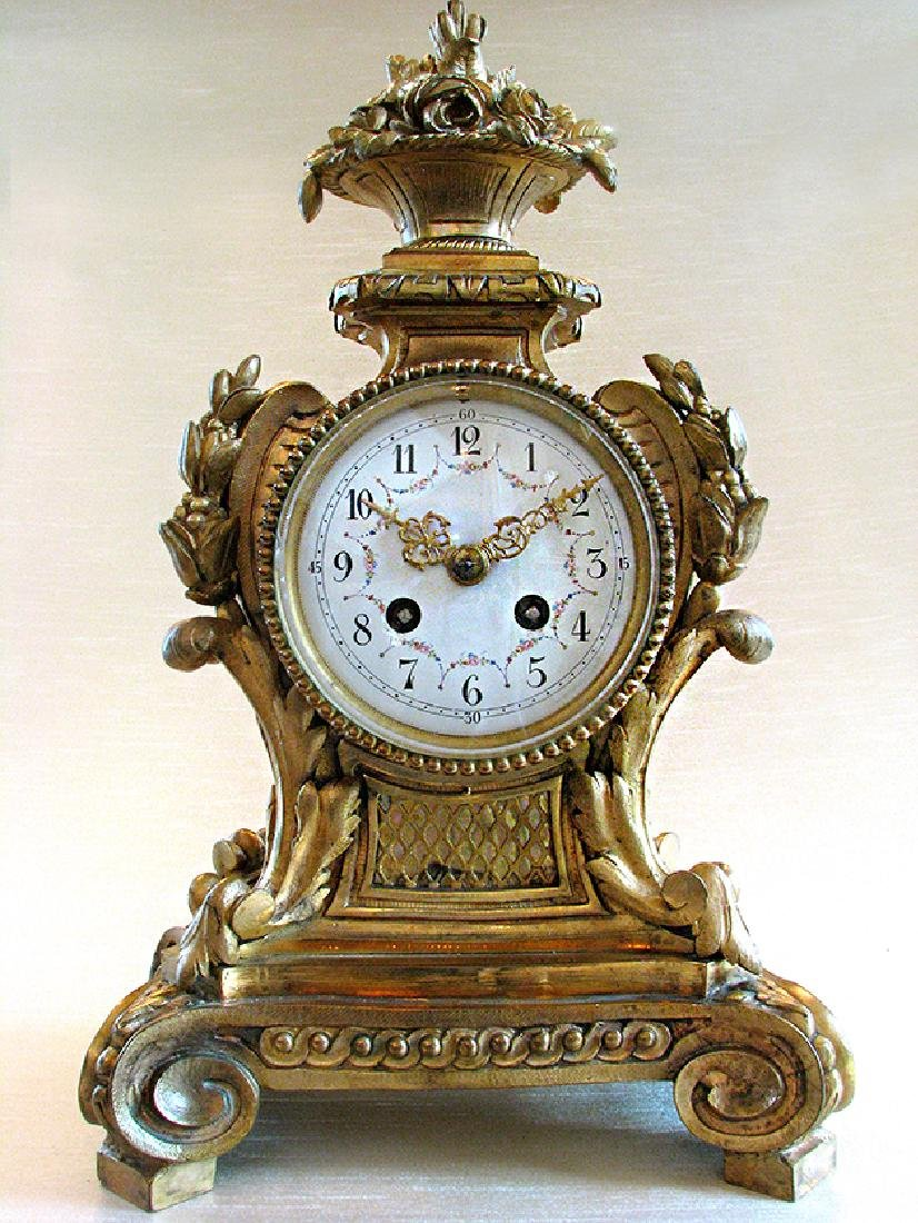 19th C. Elegant Gilt Bronze Rococo style Mantel Clock