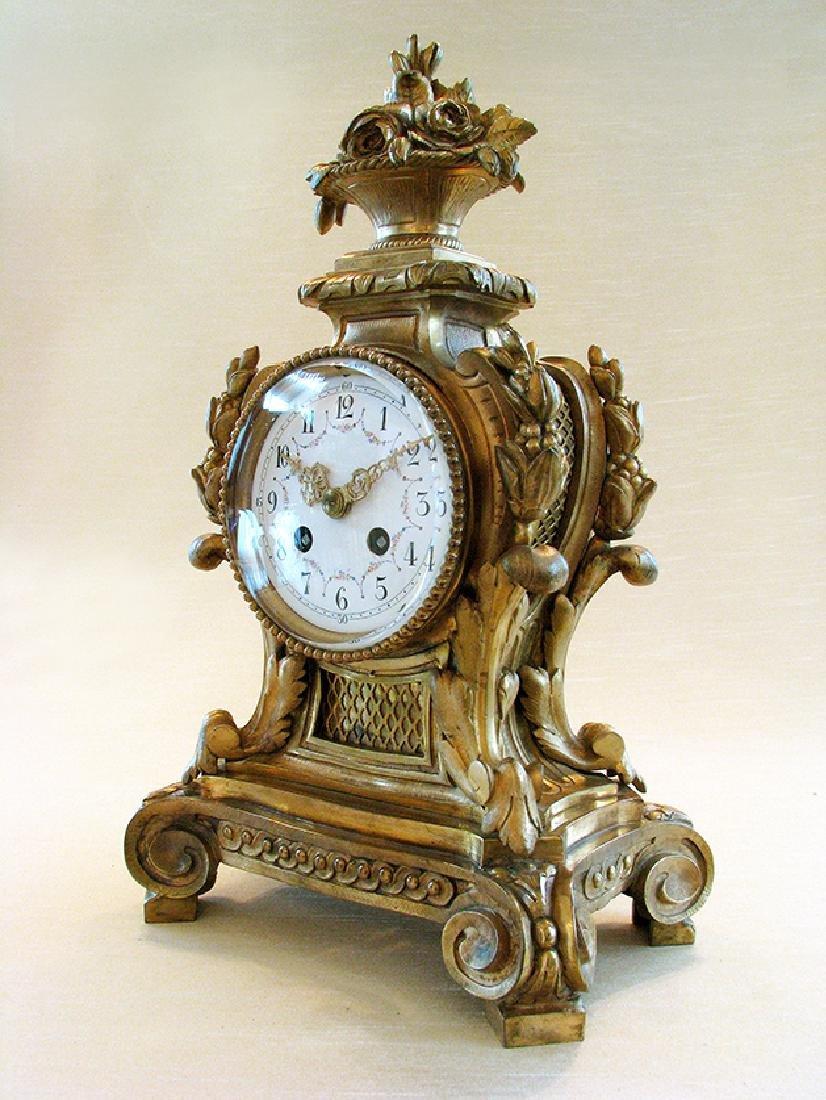 19th C. Elegant Gilt Bronze Rococo style Mantel Clock - 2