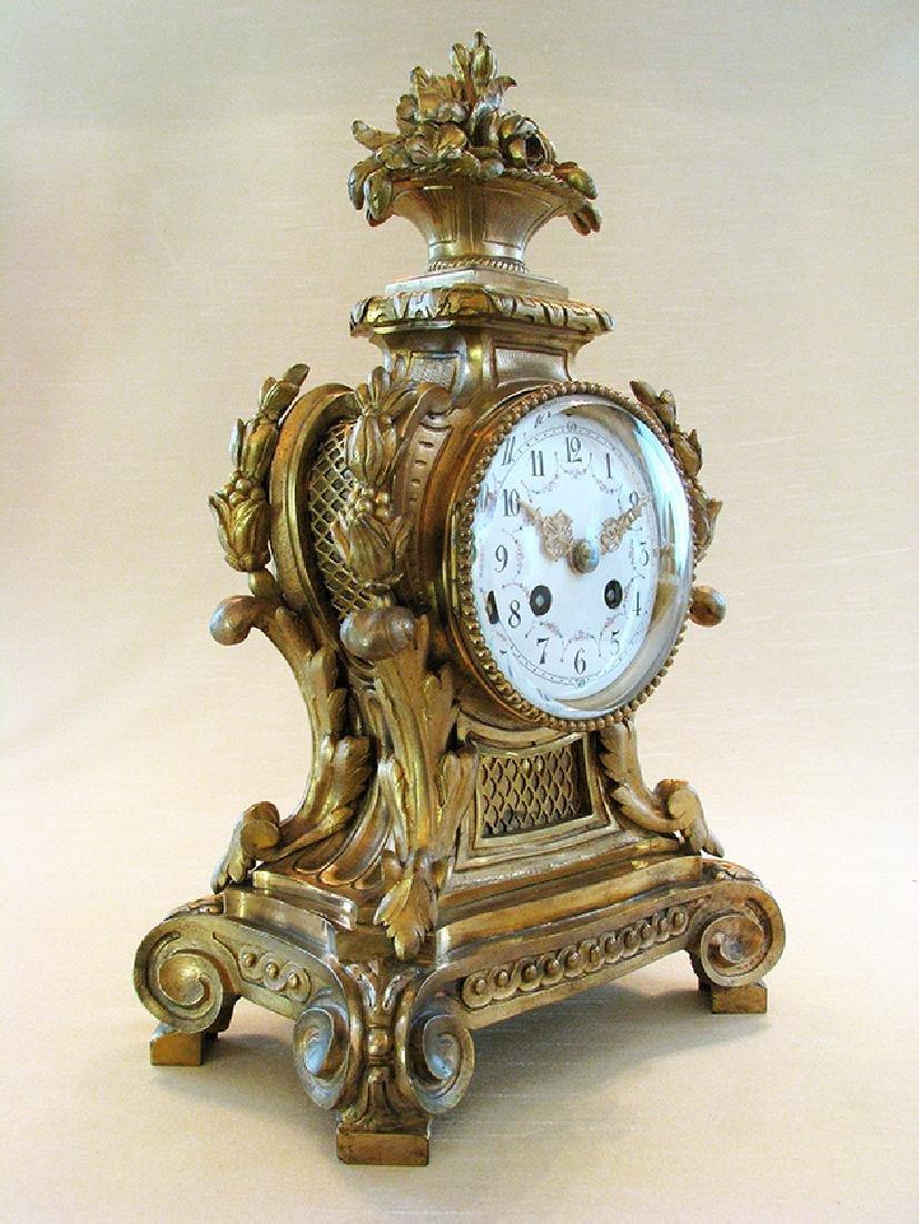 19th C. Elegant Gilt Bronze Rococo style Mantel Clock - 3