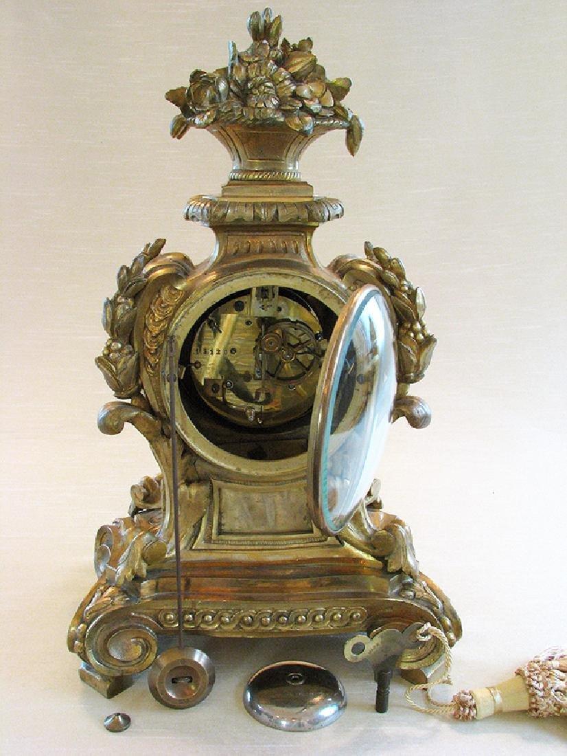 19th C. Elegant Gilt Bronze Rococo style Mantel Clock - 6