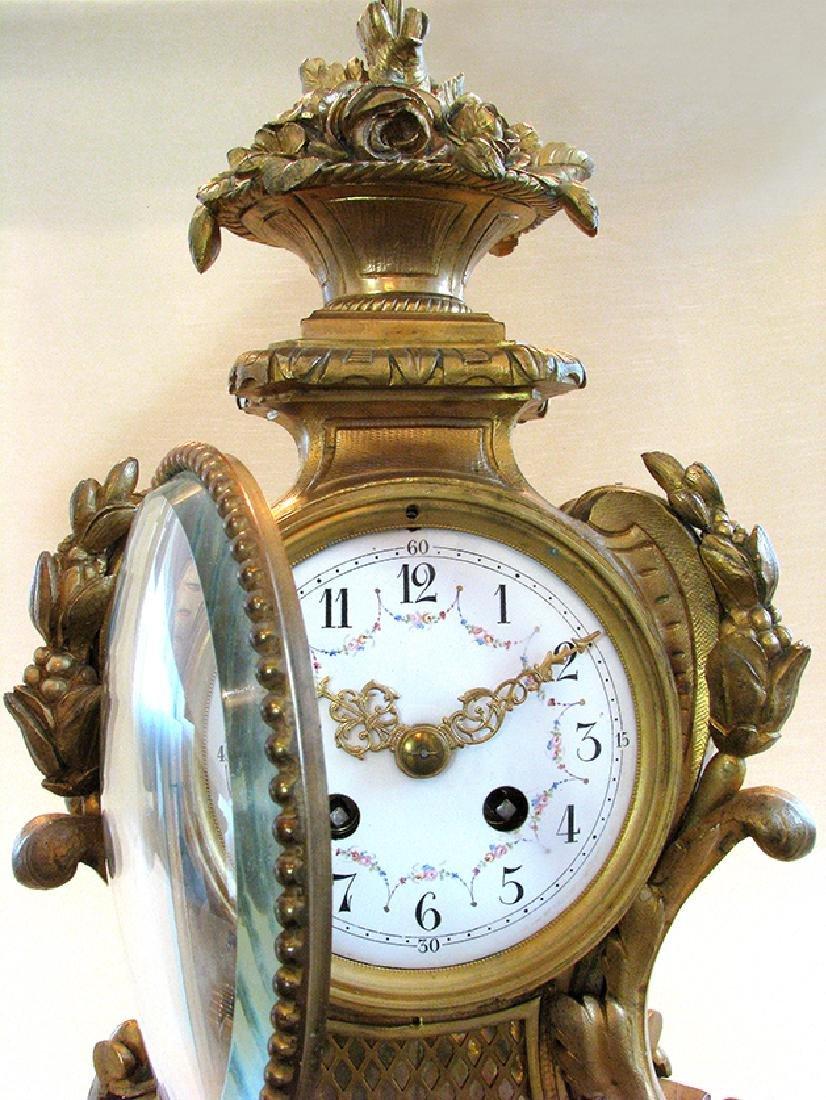 19th C. Elegant Gilt Bronze Rococo style Mantel Clock - 9