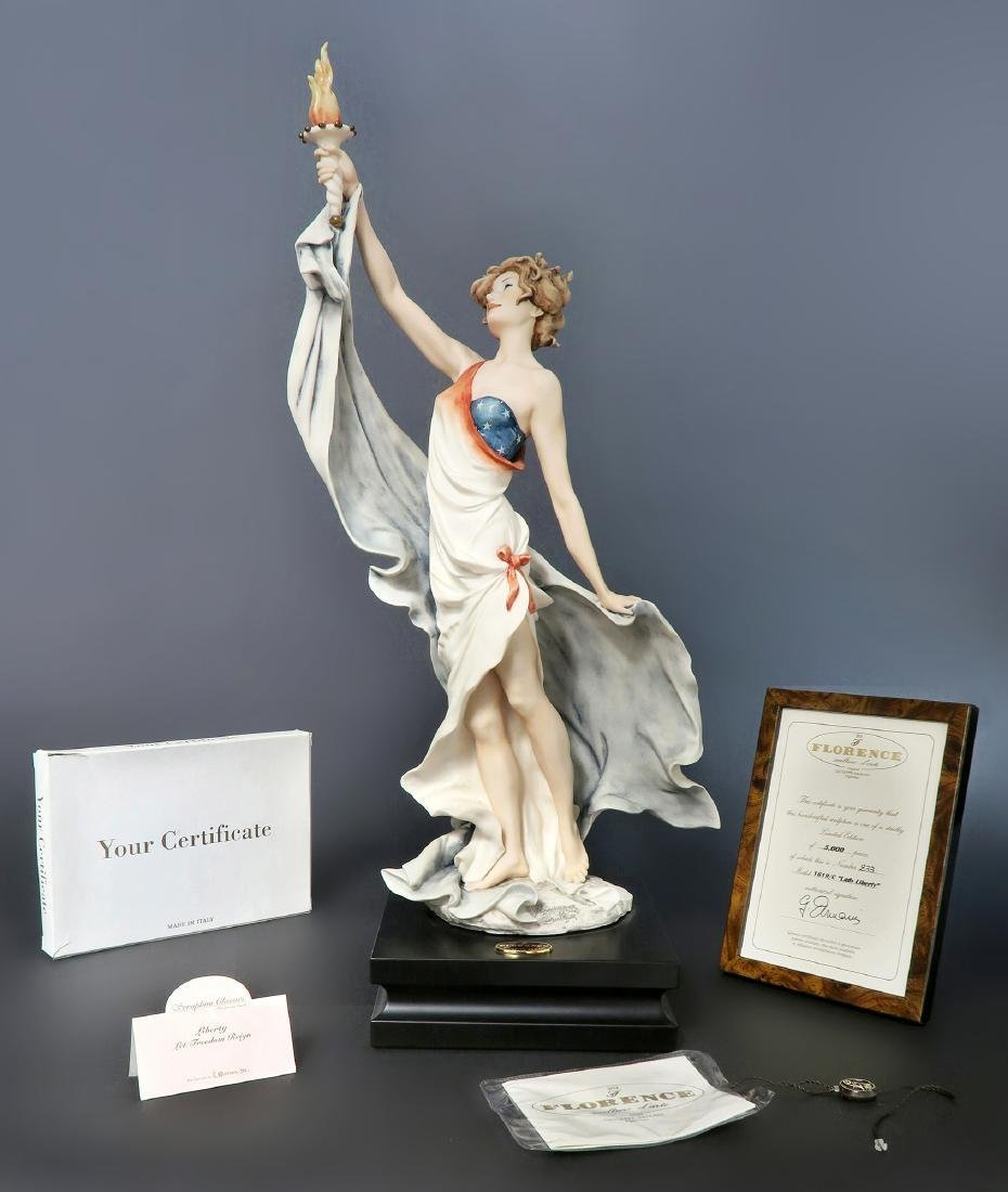 "Giuseppe Armani ""LADY LIBERTY"" Figurine, Ltd Edition!"