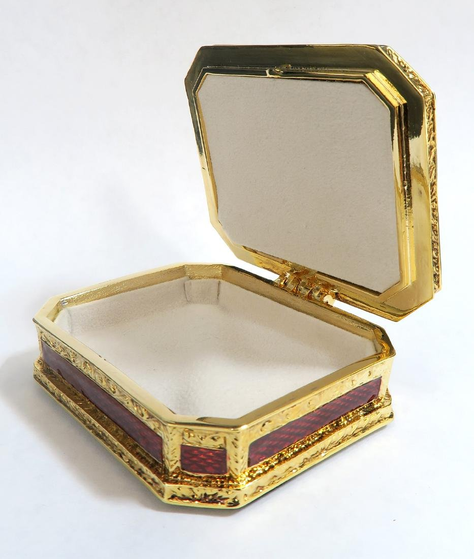 FABERGE Red Guilloche Enamel & Gilt Pill Box - 4