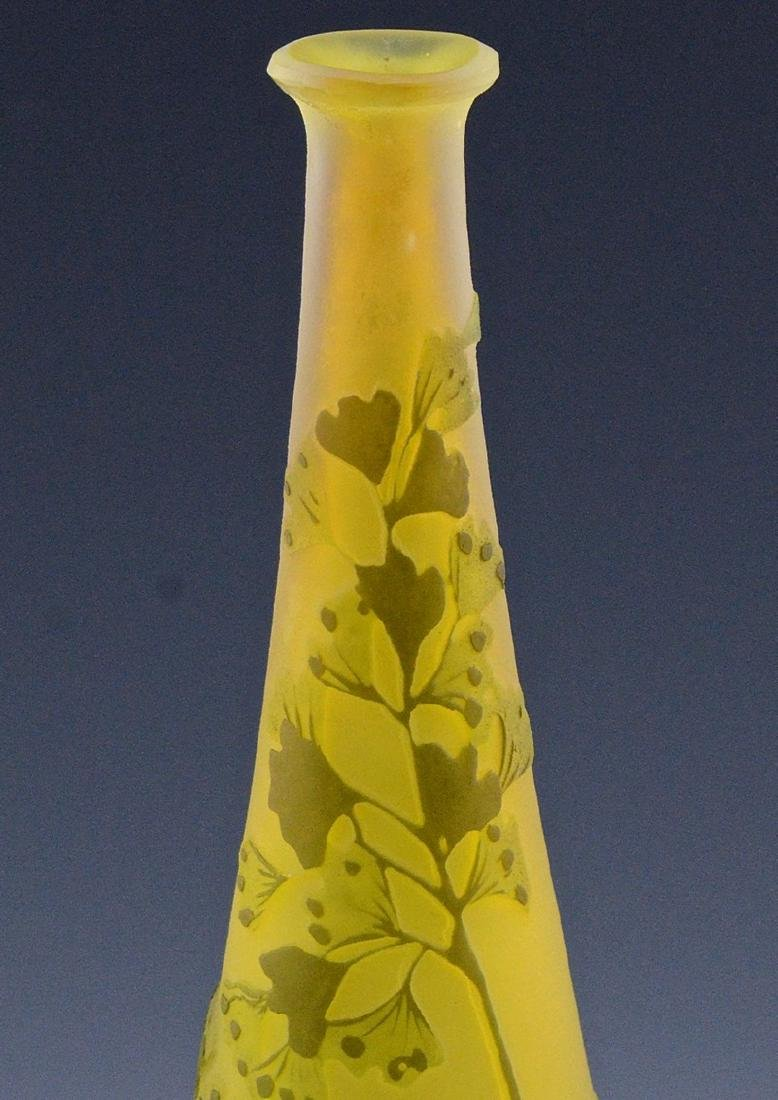 SIGNED GALLE CAMEO CUT ART GLASS FLOWER PATTERN VASE - 5